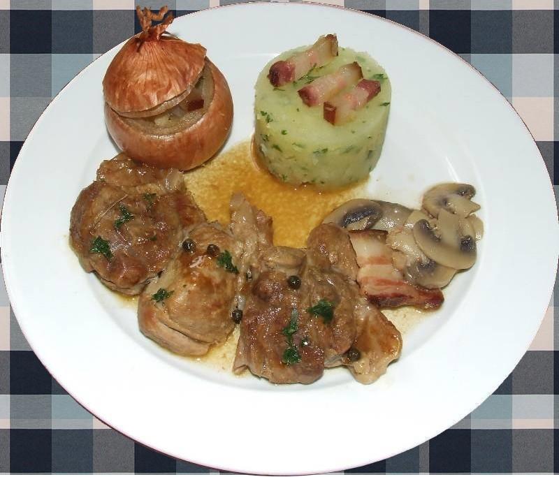 Jarret de veau au poivre vert oignon farci et cras e de pomme de terre les champignons - Jarret de veau au four ...